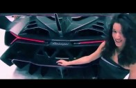 Lamborghini Vaneno Debut – Keep eyes off the girls and on the car