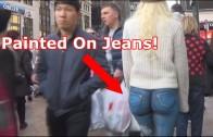 Girl Walks Around NYC With No Pants!