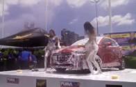 สาวสวยแก้ผ้าล้างรถโชว์ sexy car wash
