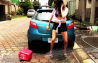 Hot girl car wash MAZDA 2!