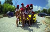 Tee shirt mouillé et car wash sexy Ferrari